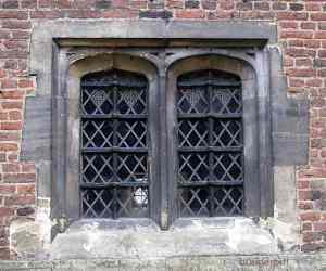 tudor-arch-window